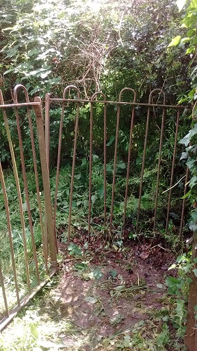 HO3 Metal Gate at A49 end of path 02.03.18
