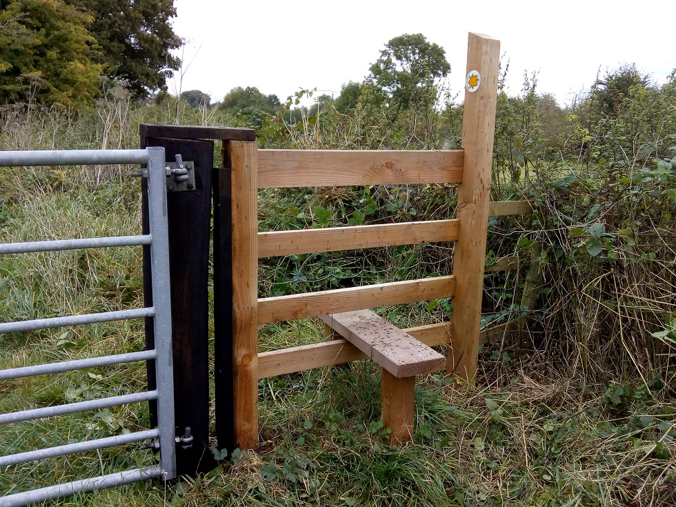 HO13 stile cleared at SO 524 428